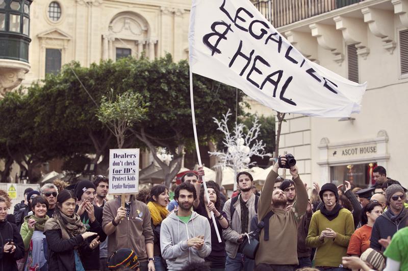paesi consumano cannabis quantità in tutto il mondo denaro legalizzazione