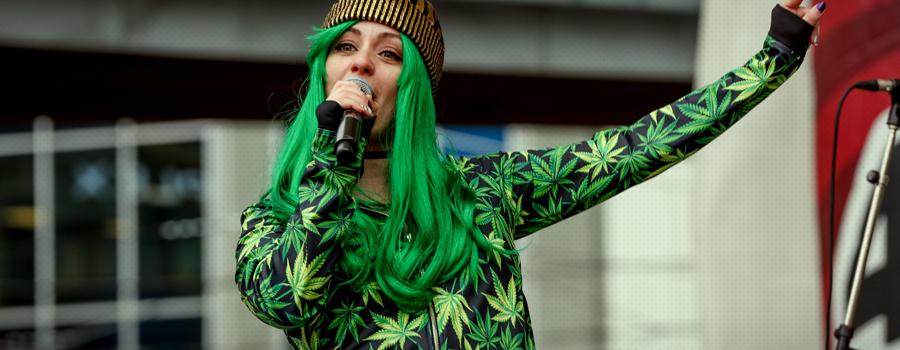 La principale attività di cannabis in tessuto couture